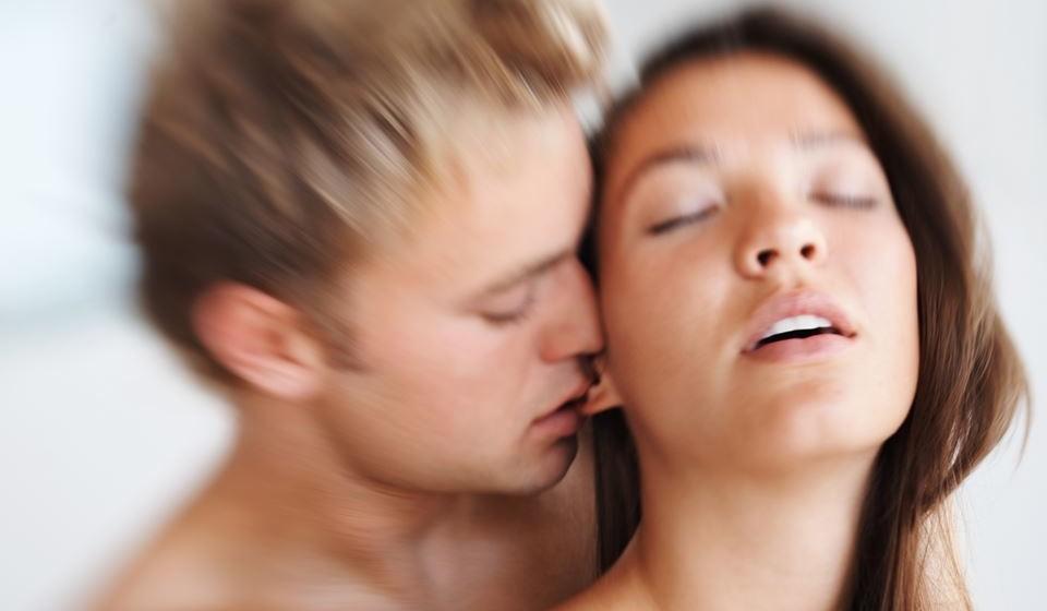 Orgasmo anal – Continua como um tabu, mas as mulheres podem sentir um diferente tipo de orgasmo por estimulação anal. Exige alguma preparação, cuidado e lubrificação para que não seja doloroso, mas sim prazeroso.