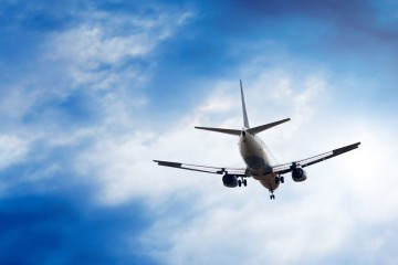 Os portugueses que procuram viagens baratas em 2018 podem economizar até uma média de 34% mediante alguns critérios de reserva. O site de pesquisa de voos e hotéis, momondo, fez as contas. Veja de seguida.