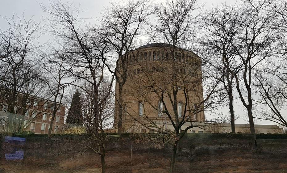 Em Colónia, há ainda vários vestígios romanos.