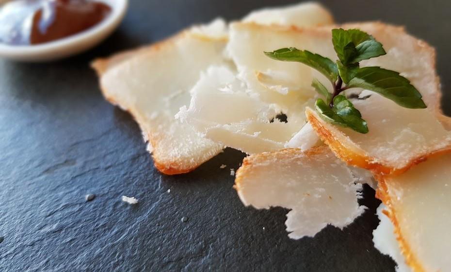 Restaurante Fiado - queijo de cabra da Soalheira em compota de medronho