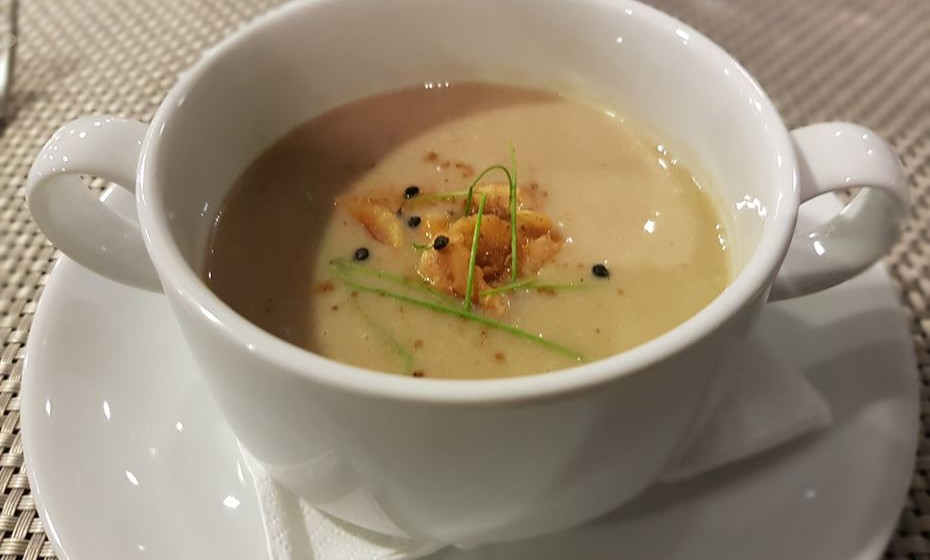 Restaurante Buke - caldo de castanha com abóbora.