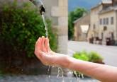 A água é um bem muito preciso que deve ser preservado por todos, mas a sua deterioração está a verificar-se um pouco por todo o mundo, assim como a progressão da sua escassez. Assim conclui o Relatório Mundial das Nações Unidas sobre Desenvolvimento dos Recursos Hídricos 2018. Cabe a todos poupar este bem comum. Veja algumas ideias.