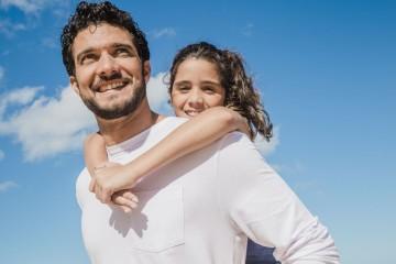 3f71bd9a56001 Atividades entre pai e filho promovem laços afetivos entre ambos, melhoram  habilidades parentais e fomentam