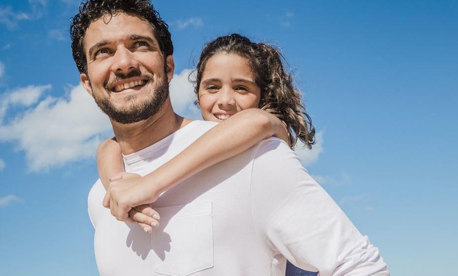 Atividades entre pai e filho promovem laços afetivos entre ambos, melhoram habilidades parentais e fomentam o desenvolvimento psicológico da criança. Veja algumas sugestões de atividades para fazerem no Dia do Pai, assinalado a 19 de março. Ou, por antecipação, já no fim de semana.