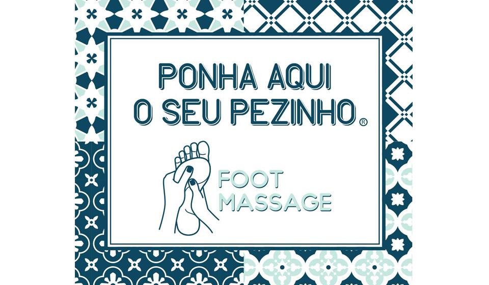 Aqui pode ver o logo da empresa, onde predominam as cores suaves, simbolizando a tranquilidade e os padrões em forma de azulejos, relembrando a pátria portuguesa.