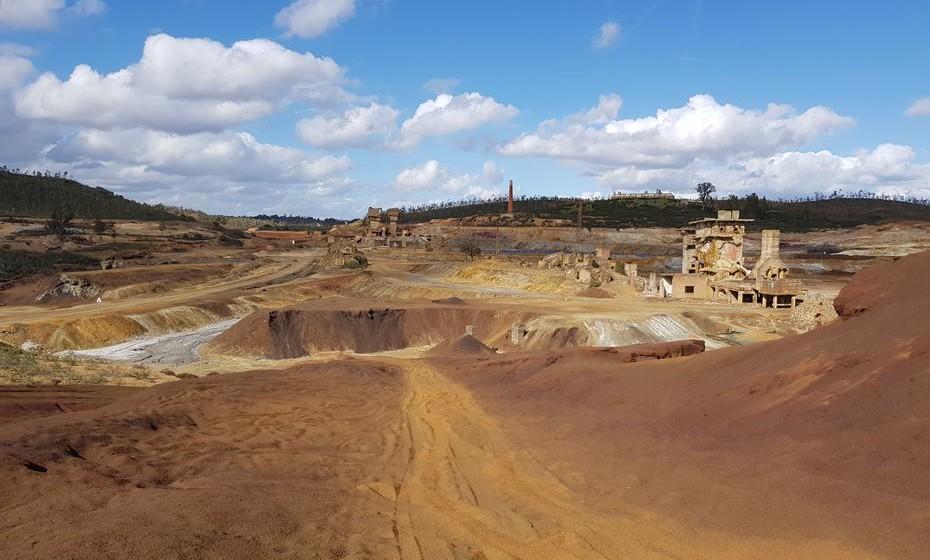 Mina de S. Domingos, agora abandonada.
