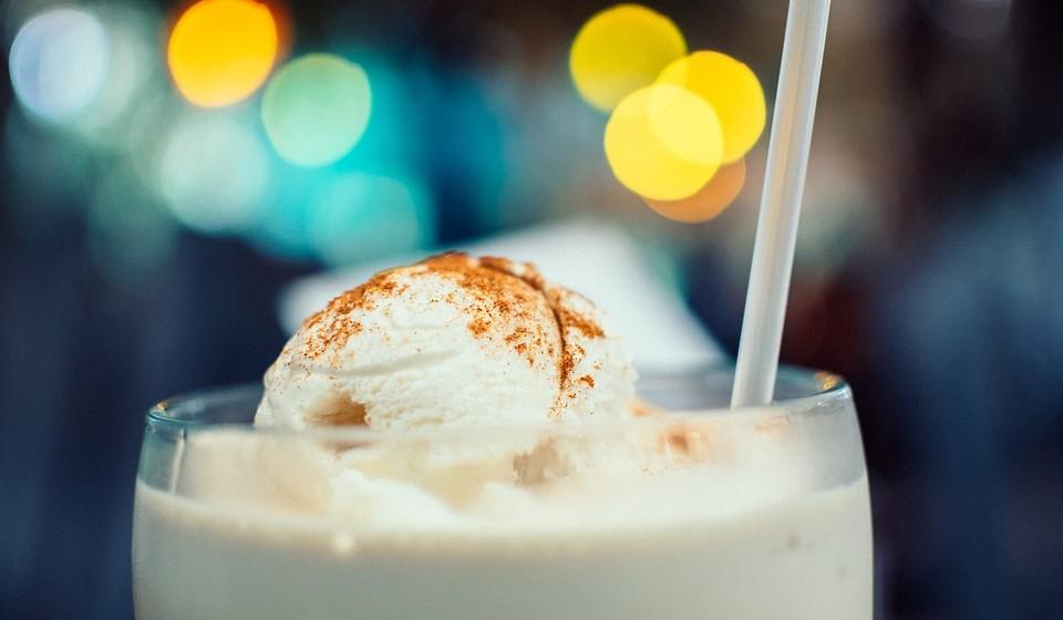 Não muito doce: As preocupações com a saúde estão a reduzir a doçura nas sobremesas. Azeite de rosmaninho e vinagre está a ser usado nas sobremesas. Segundo a Mintel, cerca de 15% dos consumidores gostam de alimentos doces, com apontamentos de sabores salgados, o denominado agridoce.