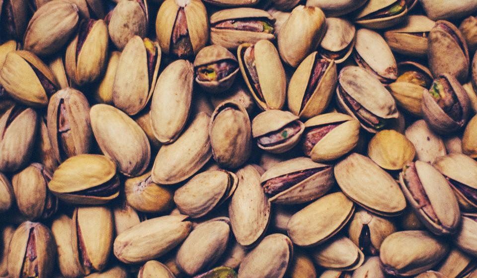 Cozinha mediterrânica moderna: Os consumidores estão cada vez mais familiarizados com os sabores e ingredientes usados em pratos do Médio Oriente. Tâmaras, pistachio e menta são alguns ingredientes cujo consumo tem aumentado e que trazem inúmeros benefícios para a sua saúde.