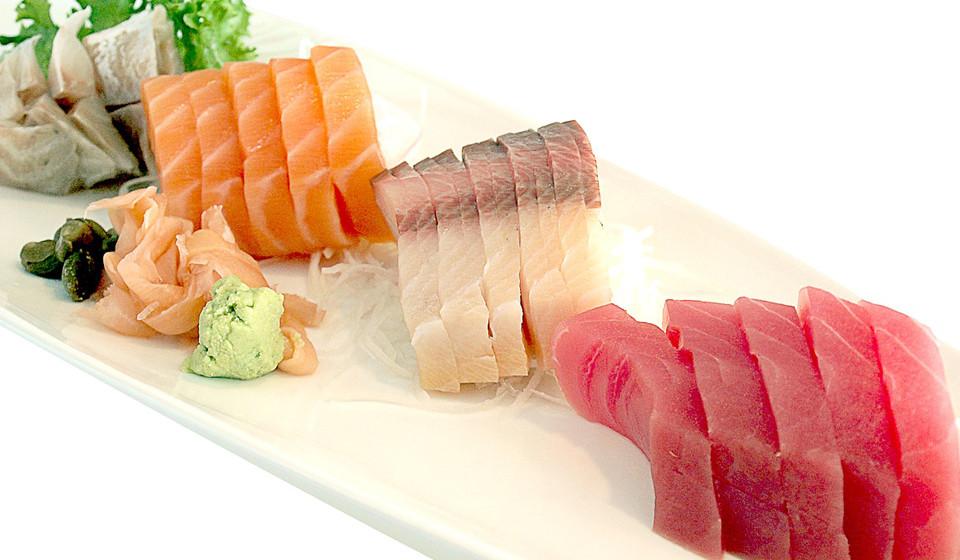 O atum, peixe rico em gordura, ómega-3 e calorias é mais um dos alimentos com elevados níveis de proteínas.