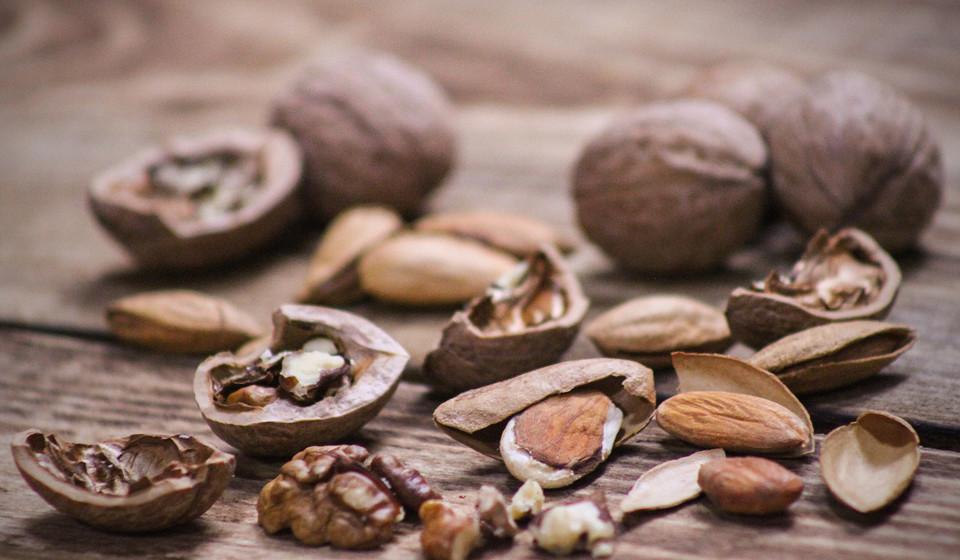 Ricas em fibra, vitamina E, magnésio e proteína, as amêndoas são uma referência no campo das dietas.