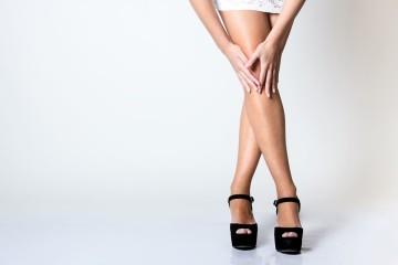Por aconselhamento da clínica de saúde CUF, o aparecimento de varizes pode ser evitado mediante algumas ações diárias, que pode consultar de seguida. Não obstante, é imperativo que, mediante os sintomas de varizes já referidos, consulte um cirurgião vascular.