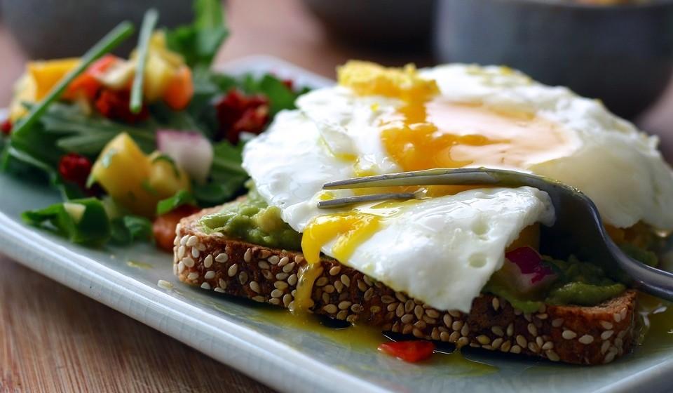 Saiba de seguida quais são os alimentos mais ricos em proteína.