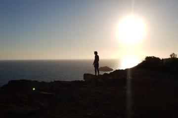 Veja de seguida as dicas e truques de Uli Weber, famoso fotógrafo alemão, para tirar fotos de qualidade durante a 'hora dourada', aquele curto período que surge logo após o nascer do sol ou antes do pôr-do-sol. As fotos que se seguem foram tiradas em Ibiza, Espanha, recorrendo apenas aos Samsung Galaxy S9 e S9+.