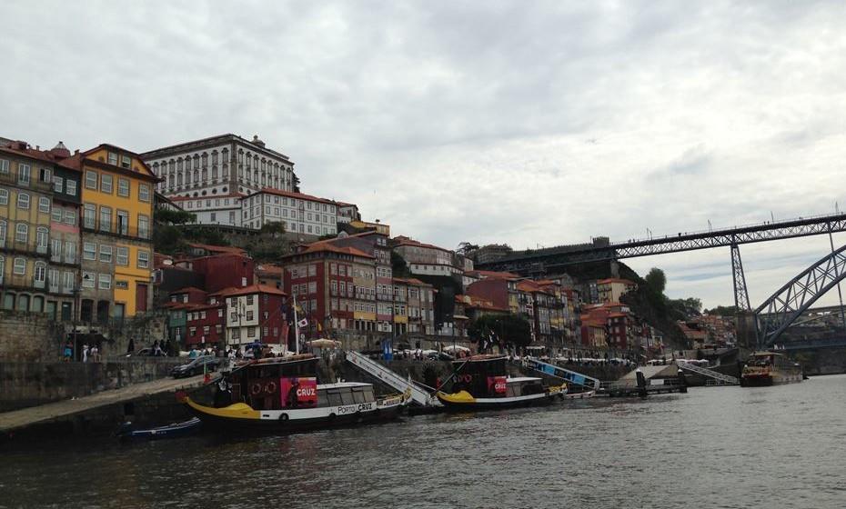 O evento é organizado pela revista Paixão Pelo Vinho, com o apoio da Tomaz do Douro, que garantem: «Já fazia falta um evento vínico, glamoroso e diferenciado, no rio Douro».