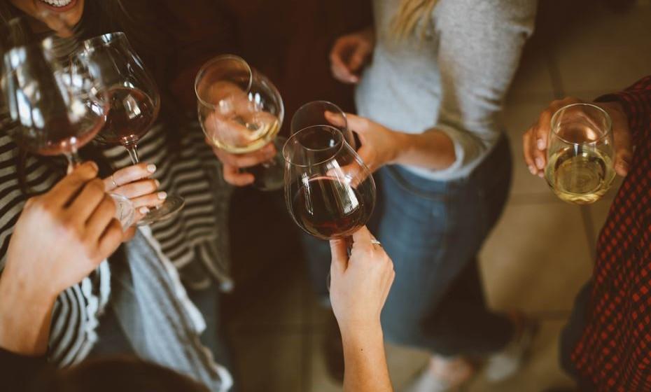 Com lotação limitada a 350 pessoas, esperam-se participantes apaixonados por vinhos, pelas coisas boas da vida, pelo Douro e pela simples vontade de viver um momento único.