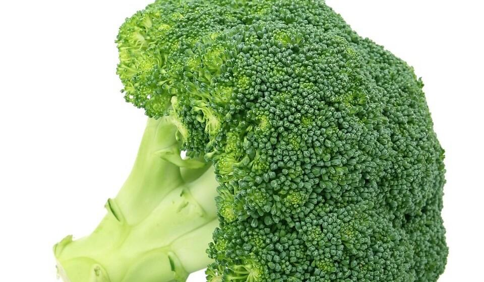 Verde: Esta cor pode ser encontrada nos brócolos, nos espargos, no feijão verde, nas couves ou no quivi. Estes alimentos apresentam químicos como o sulforafano, a isocianina e os indóis. Estes químicos ajudam a prevenir o cancro pois funcionam como um inibidor de possíveis substâncias cancerígenas.