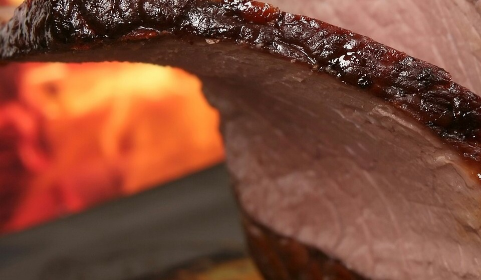 Carne vermelha: 100 gramas de carne moída contém 2,7 mg de ferro, que é de 15% da DDR.