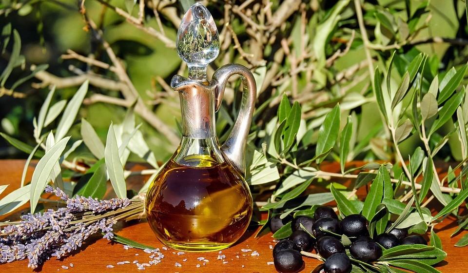 Henrique Herculano, do Centro de Estudos e Promoção do Azeite do Alentejo, deixa algumas recomendações para que o seu azeite, independentemente do tipo que seja, esteja sempre nas melhores condições.