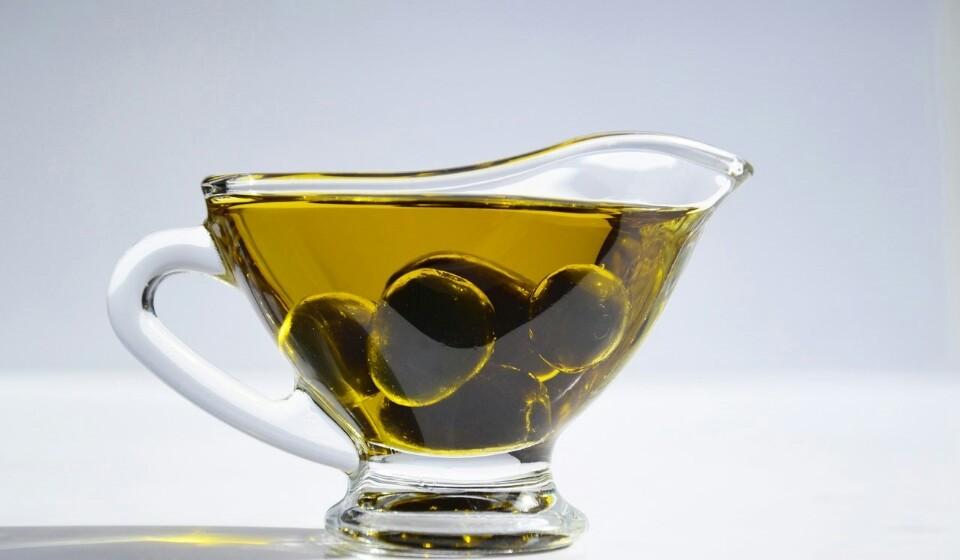 Opte sempre pelo azeite virgem extra para tempero e utilização em cru.