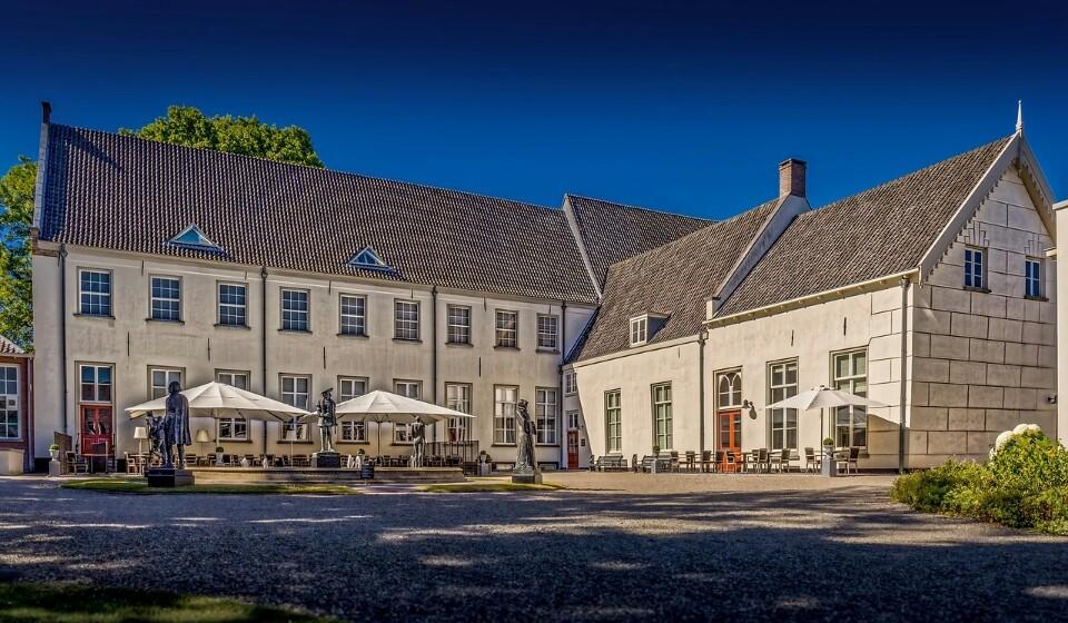 Holanda: Se escolher Utrecht em vez de Amesterdão pode alcançar uma poupança de 25% no preço da sua estadia. Em Utrecht pode encontrar um quatro duplo num hotel de três a quatro estrelas por 102€.