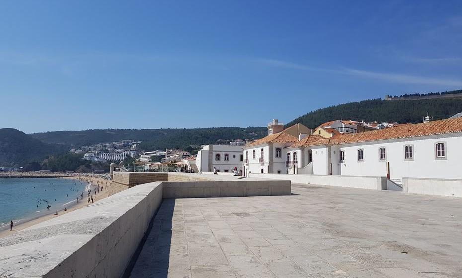 Fortaleza de Santiago e Museu Marítimo de Sesimbra.