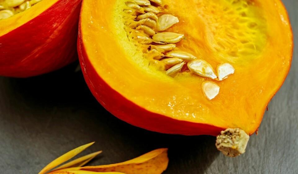 Os antioxidantes ajudam a diminuir o risco de cancro - A abóbora é rica em carotenóides. Os antioxidantes aqui encontrados ajudam a diminuir o risco de cancro.