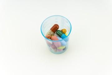 O uso excessivo de antibióticos faz com que as bactérias se tornem resistentes aos tratamentos com este tipo de medicação. Siga os conselhos do 'Centro Europeu de Prevenção e Controlo das Doenças' para uma toma adequada.
