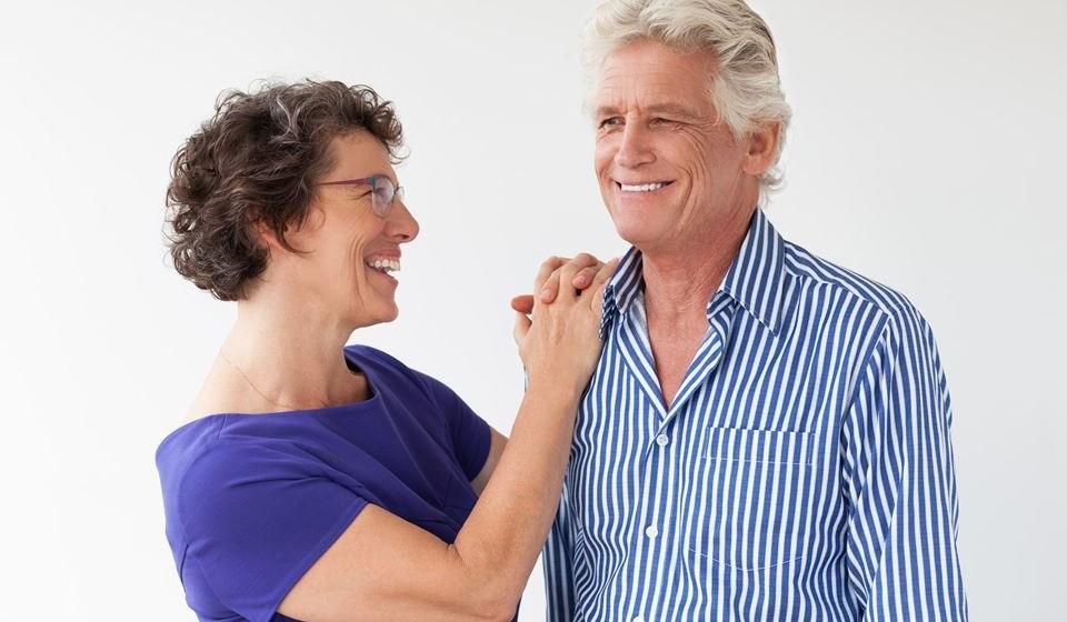 Saiba o que o outro gosta e converse sem medos.  Perceba aquilo que o outro gosta ou não gosta e o que está a sentir no momento. O diálogo é essencial para que o casal entenda e ultrapasse as limitações, melhorando assim a sua vida sexual.