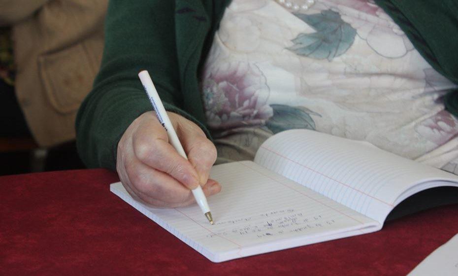 O Letras Prá Vida é um projeto de intervenção comunitária, que desenvolve oficinas de alfabetização e alfabetização digital com pessoas adultas.