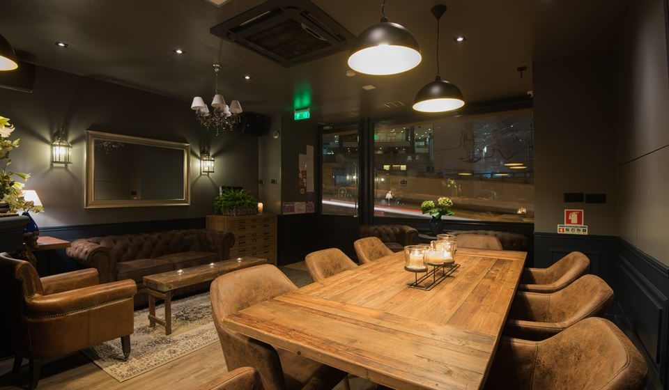 Avenew Lounge Drink & Bar