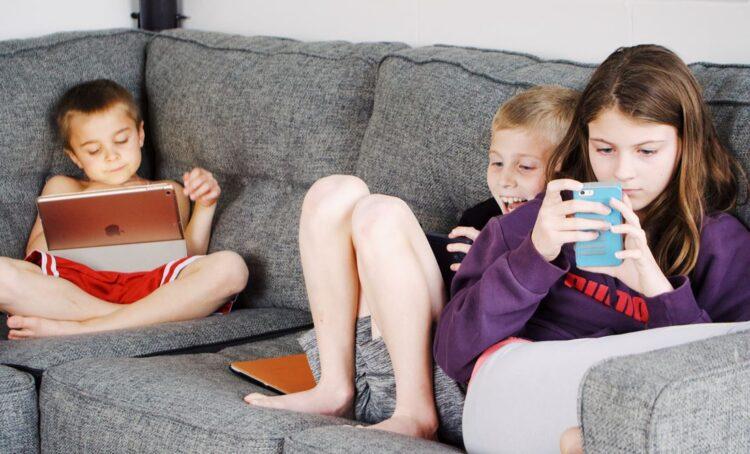 Internet: como ajudar os jovens a compreenderem os riscos