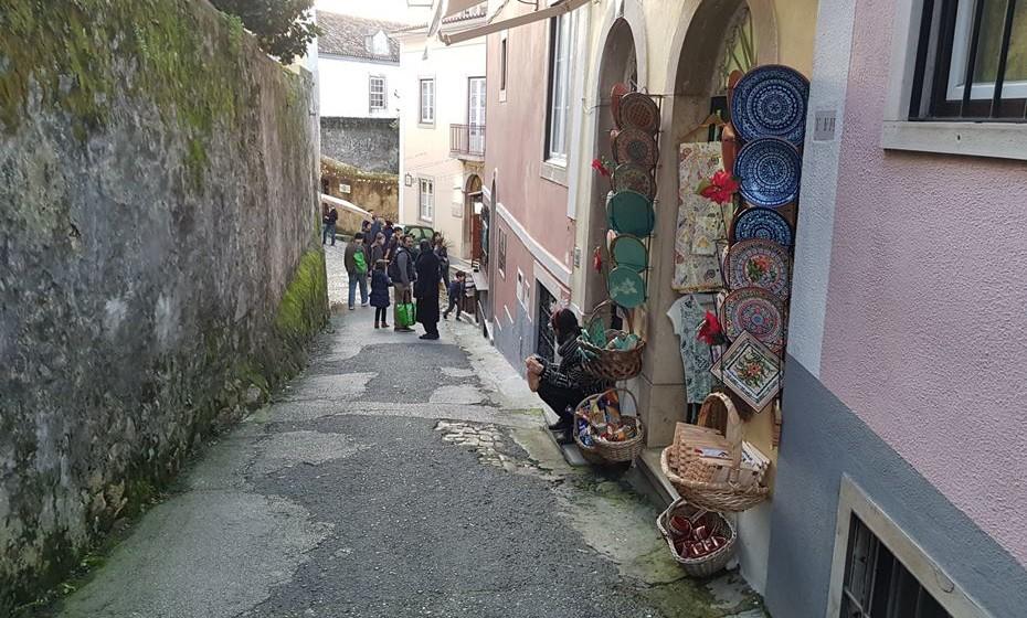 Comércio no centro da vila - A vila, apesar de ter um centro pequeno, concentra aí muito comercio e espaços de restauração.