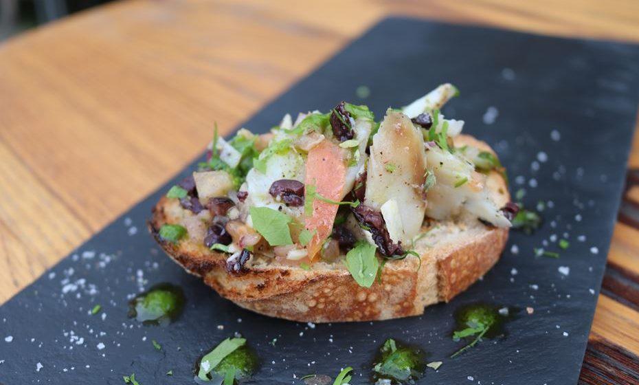 Bruschetta de bacalhau - Café Santa Iria