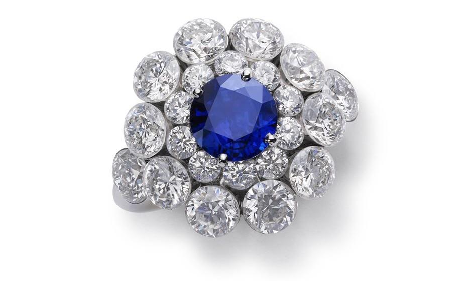 Anel de safira e diamantes
