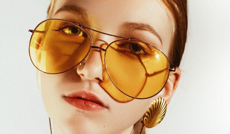 Existem cinco tipos de rosto: oval, quadrado, longo, diamante e redondo. Já sabe qual é o seu? Excelente, agora descubra qual o modelo de óculos que melhor lhe assenta no rosto.