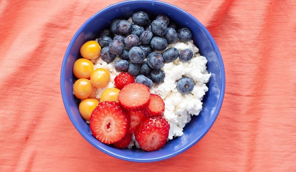 É versátil para inúmeras receitas - Enquanto ingrediente tendência a nível mundial, já foi amplamente testado e pode ser utilizado em saladas, wraps, snacks, juntando-lhe fruta e nozes ou barrando no pão com abacate em fatias. As combinações são imensas e deliciosas, de acordo com os gostos de cada um.