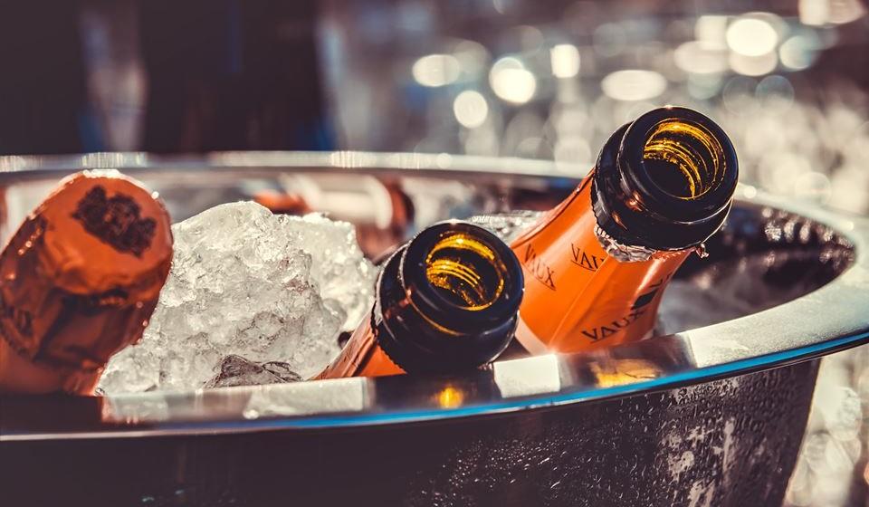 4. Bar livre de álcool