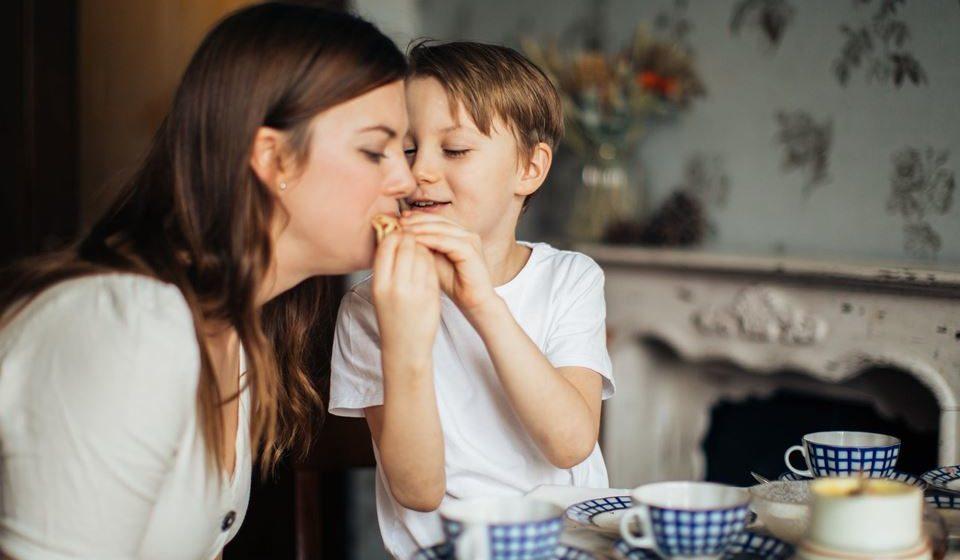 5- Faça as refeições em família e aproveite para disfrutar estes momentos que anteriormente eram impossíveis.