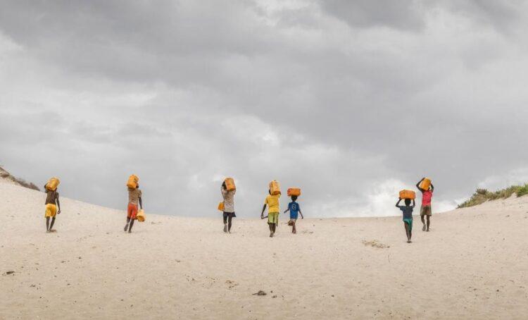 Uma em cada cinco crianças no mundo não tem água suficiente para necessidades diárias
