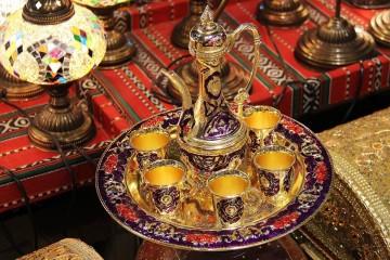 Já está marcado aquele que é um dos festivais islâmicos mais carismáticos do país. A vila alentejana de Mértola volta a encher-se de cores vibrantes, cheiro a especiarias, sons e melodias árabes, para aquela que é a 10ª edição deste festival que acontece a cada dois anos.