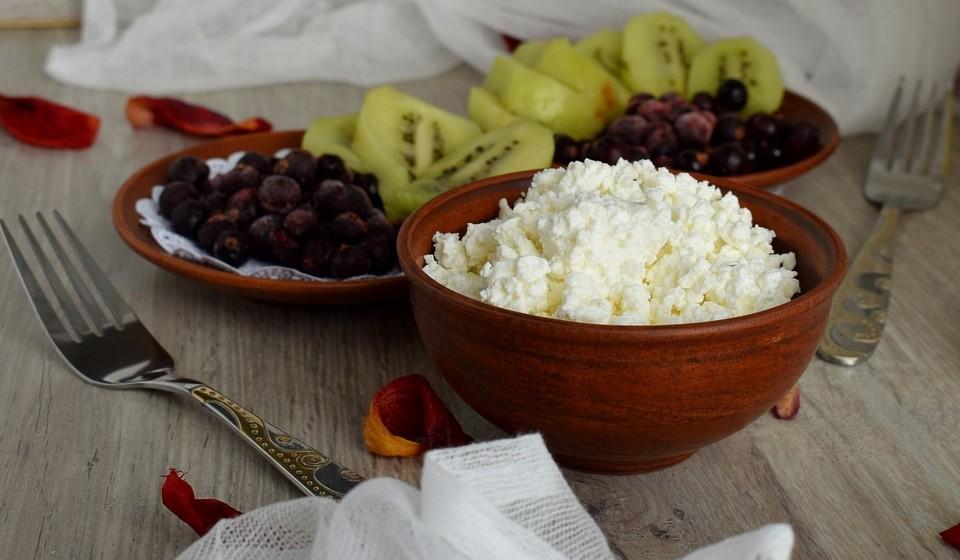 Cottage – Este é um queijo fresco e crocante que está repleto de proteína e é baixo em gordura.