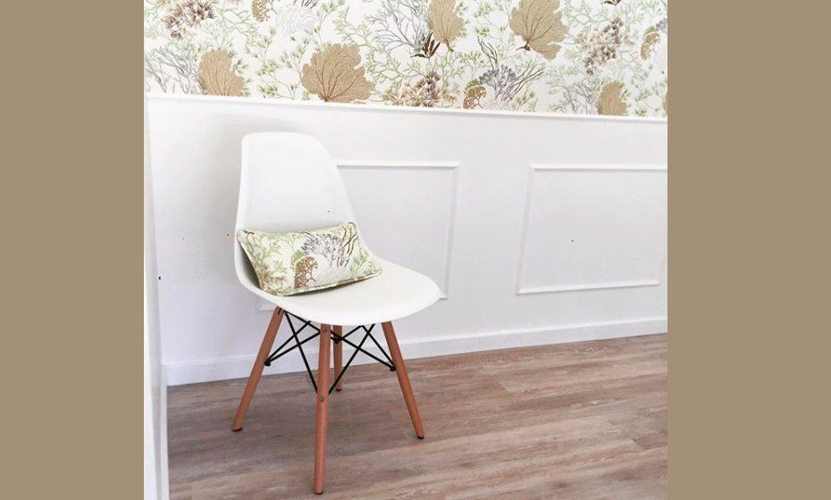 Papel de parede para espaço de refeição. Também pode ser aplicado apenas numa parte da parede.