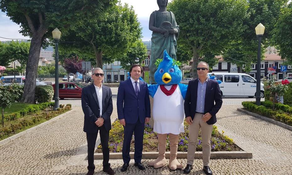 Na apresentação da app, estiveram presentes  Fernando Carvalho, presidente da assembleia municipal de Vizela, Vítor Hugo Salgado, presidente da câmara municipal de Vizela, e Luís Pedro Martins, presidente do Turismo do Porto e Norte.