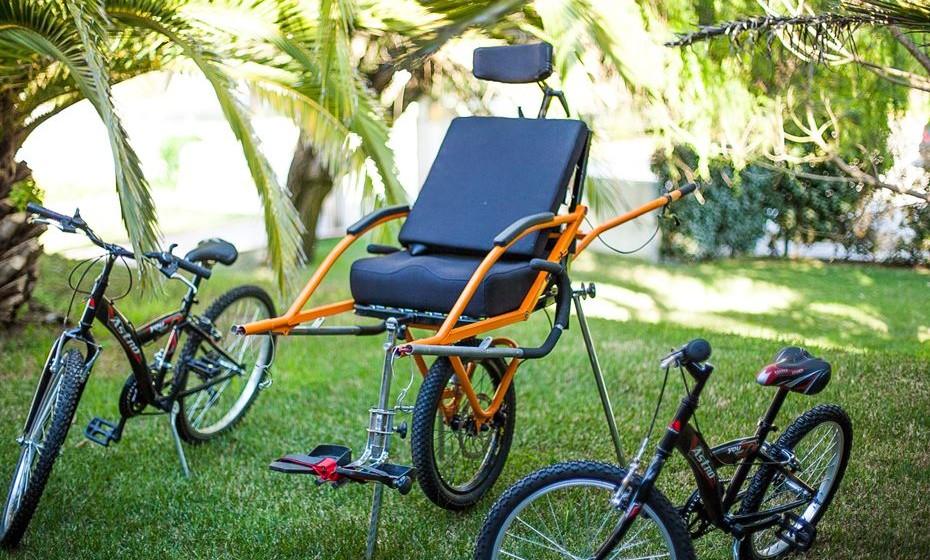 Veículo adaptado para quem tem dificuldade de mobilidade.