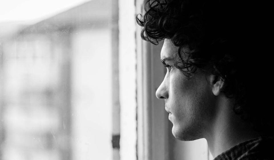Em casos mais graves, o isolamento social pode até provocar uma fobia social, pelo medo de contágio.