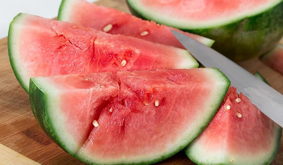 Segundo a Associação Portuguesa de Nutrição, os figos, as framboesas, o melão, a melancia, as ameixas, as amoras e os morangos são opções simples e da época que podem estar sempre na mala.