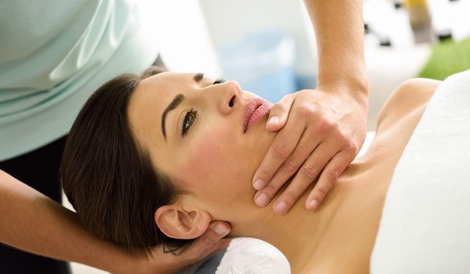 A fisioterapia atua em diversas áreas como a cardiorrespiratória, a neurologia e a músculo-esquelética.