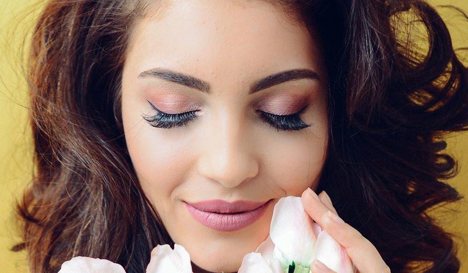 Para uma maior durabilidade da extensão de pestanas deve evitar a aplicação de água sobre a zona ocular durante 24 horas, evitar lugares com muita humidade, não deve esfregar os olhos nem utilizar desmaquilhantes oleosos.