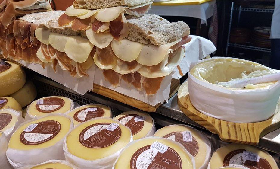 Sandes de queijo e presunto