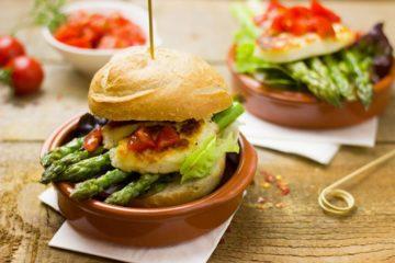 Veja de seguida algumas dicas para começar a construir a sua dieta vegana.